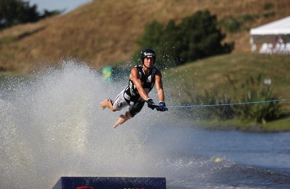 2008-worlds-day-1-jump-success